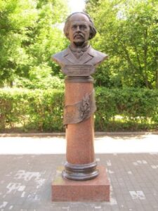 В Смоленске умер Игорь Чумаков, известный скульптор